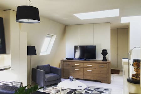 Design 1 room Flat  Saint Augustin - Paris