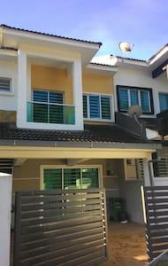 Cameron Comfort Home@Golden Hill 7 - Haus