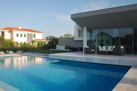 wonderful villa in a golf course - House