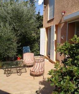 1 chambre à louer - Castillon-du-Gard - Huis
