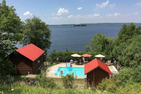 Sandy Shore Cottages, Rice Lake  - Harwood - Blockhütte