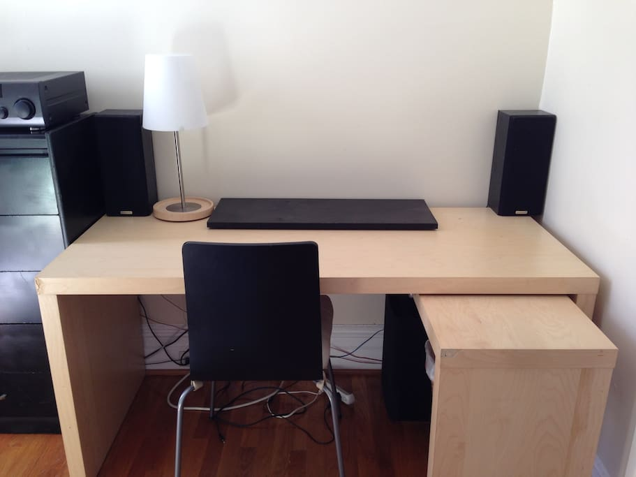 Here is the desk and chair.