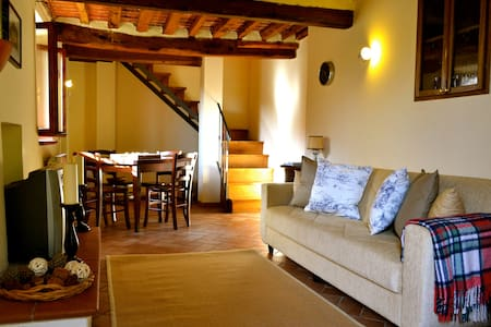 Tuscan Cottage for 4 people - Rumah