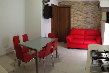 Paceville 2 Bed apartments sleeps 7