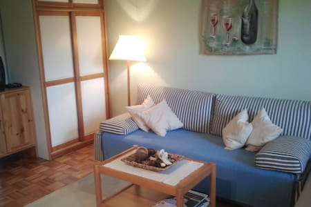Gemütliches Zimmer mit Balkon - Colônia - Apartamento