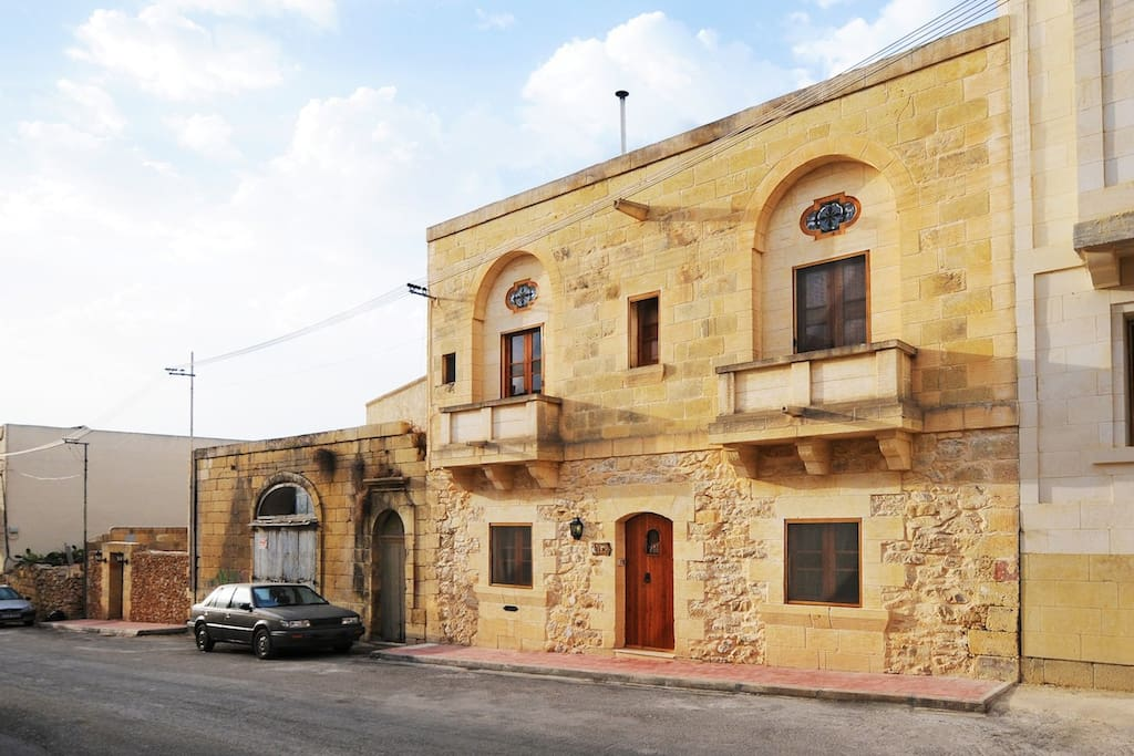 4 bedroom house on a quite road in Gozo