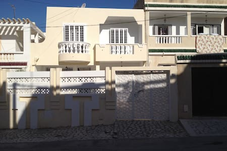 Sunny-Charming BIG Home near Manar - Tunis - House