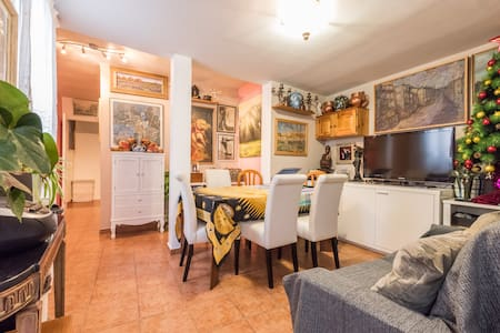 Room for Two in Friendly Chueca