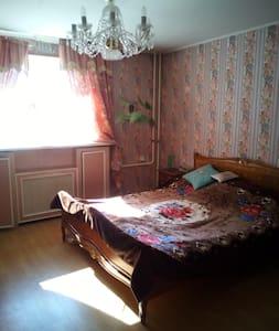 Уютный дом с хорошим участком - House