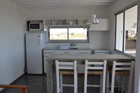Best location, steps from the beach - La Paloma