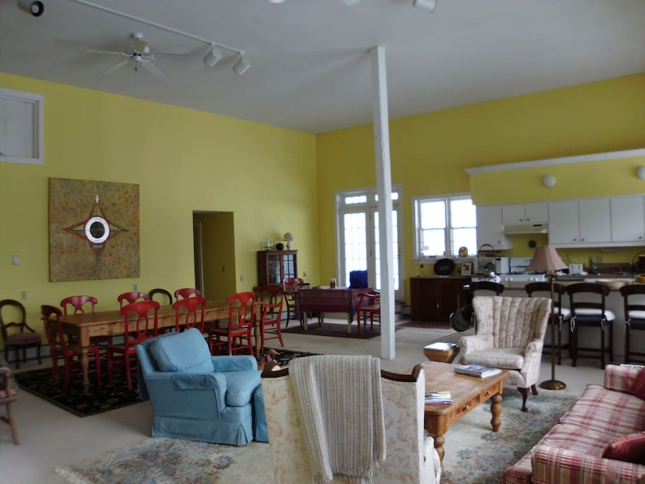 Dining room area and living room as seen from the front entrance