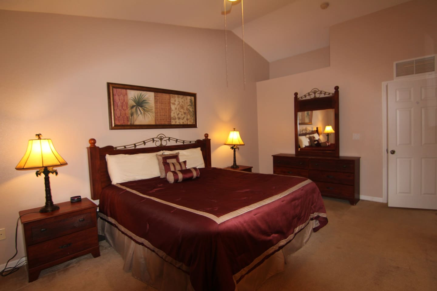 Upstair Master Ensuite with One King Bed