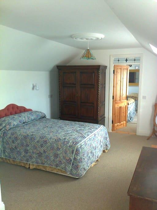 Double en-suite spacious.