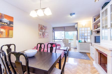 Large and bright 4 bedroom 2wc flat - Flat