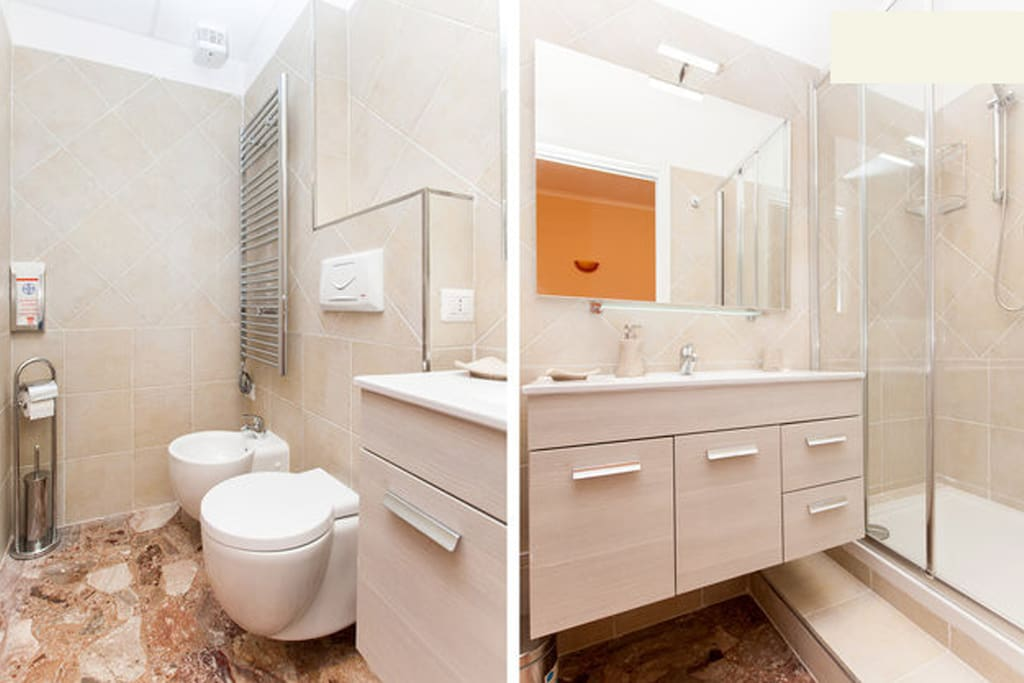 Toilette room PHOENIX