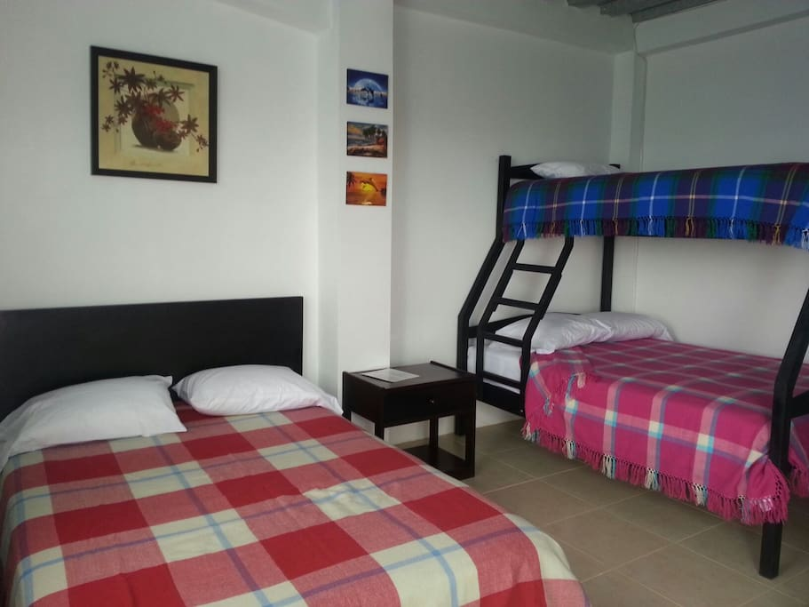 Family rooms near to Montañita