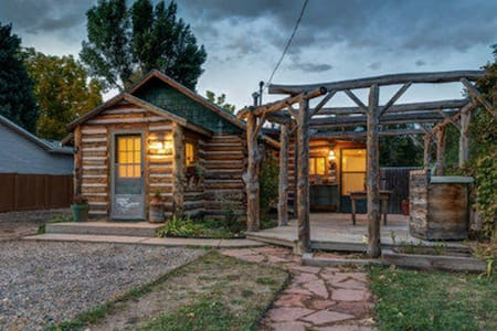 Cozy 2 bedroom log cabin close to Old Town! - Fort Collins - Dom