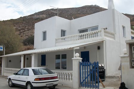The house in Agia Marina ( Broozi ) - Huis