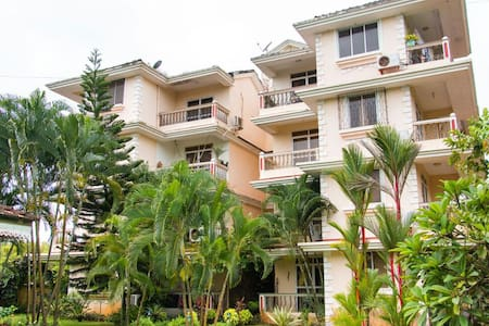 Dona Rosa 2BHK Apartment sleep 4 - Appartement