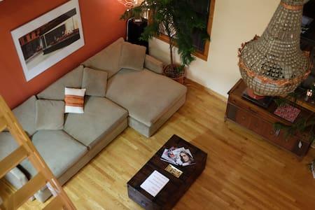 One-of-a-kind, ArtDeco/Modern Home