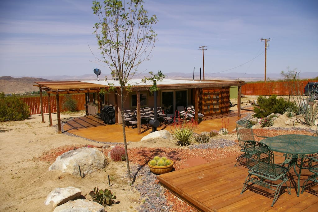 Sullivan Cabin - Enjoy our lovely landscaping from one of the many patio areas