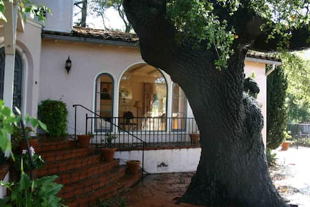 "Estate of Villa Rosa - ""pink house"""