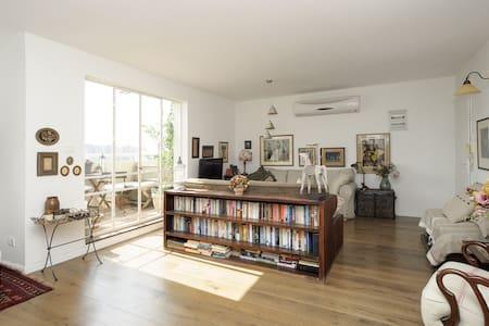 Spectacular, designer 1BR apartment - Lakás