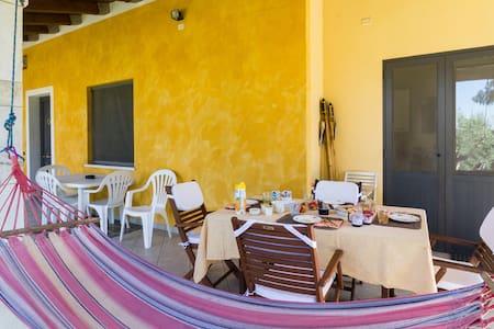 SaRDiniAOvest coast b&b A Villa Ada - Arborea - Bed & Breakfast