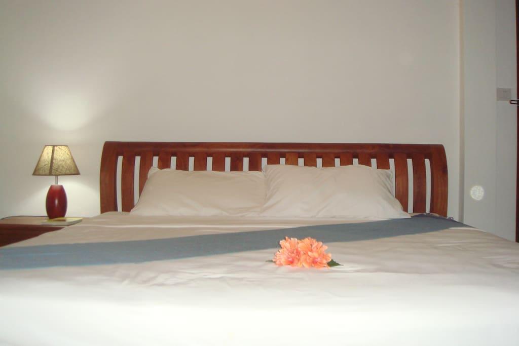Terrace Bedrroom with Queen size bed
