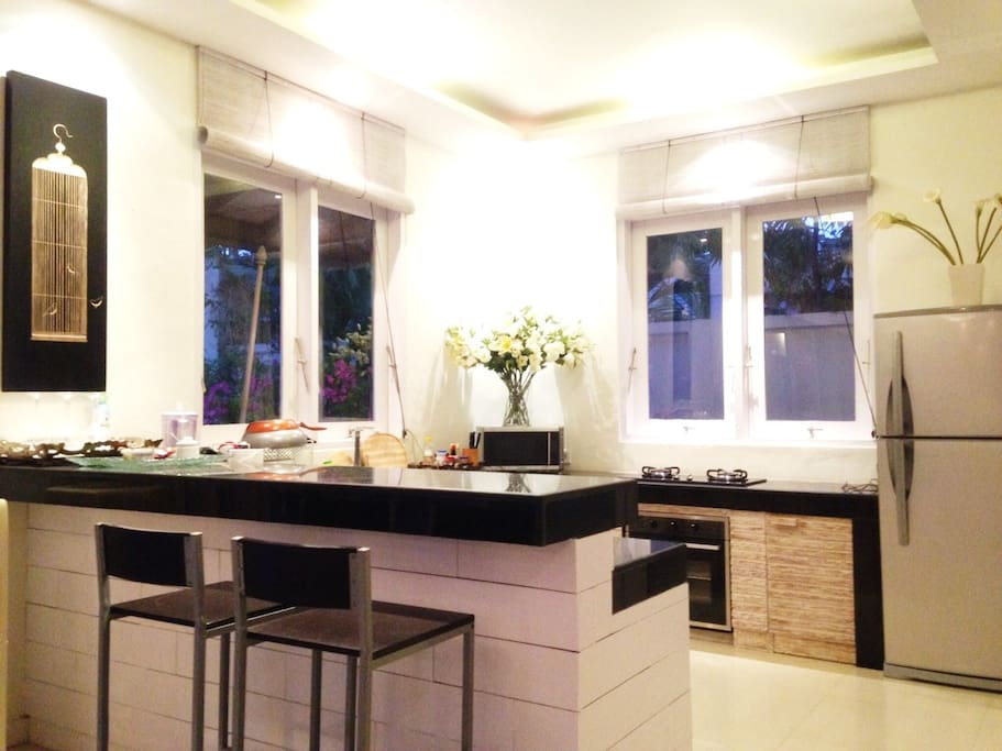 Fully functional kitchen with bar seating