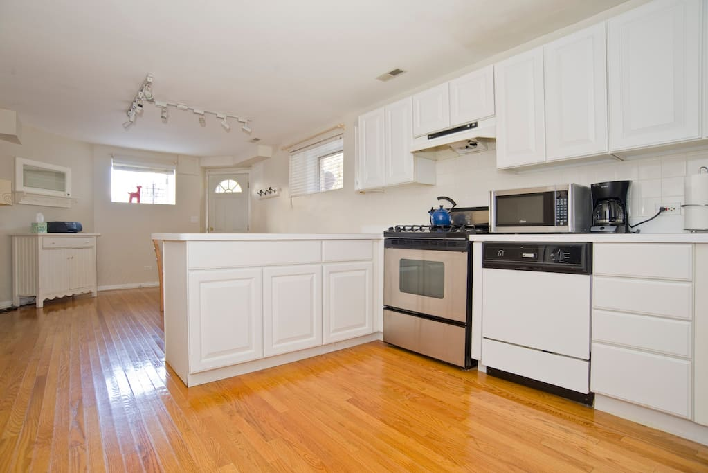 Lincoln Park Unit - Monthly rental