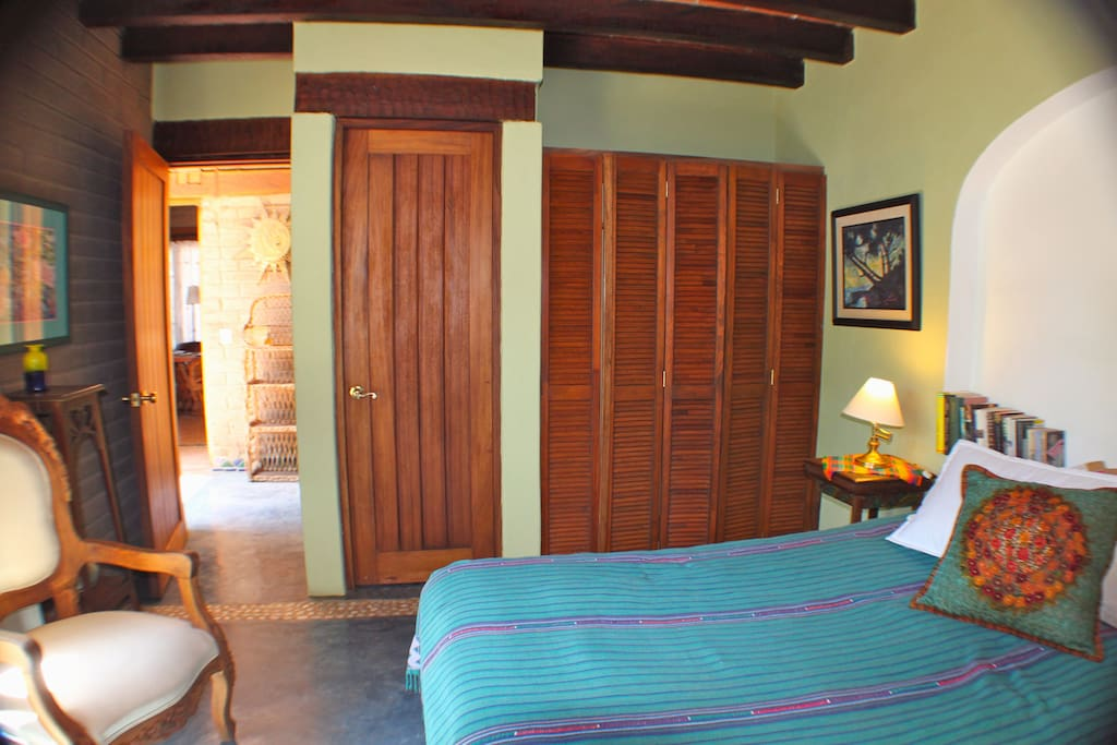 Quiet & Private Bedroom & Bathroom