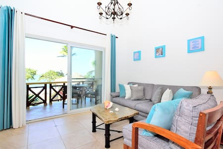 Beachfront Luxury accommodation at a budget price centrally located on Kitebeach.