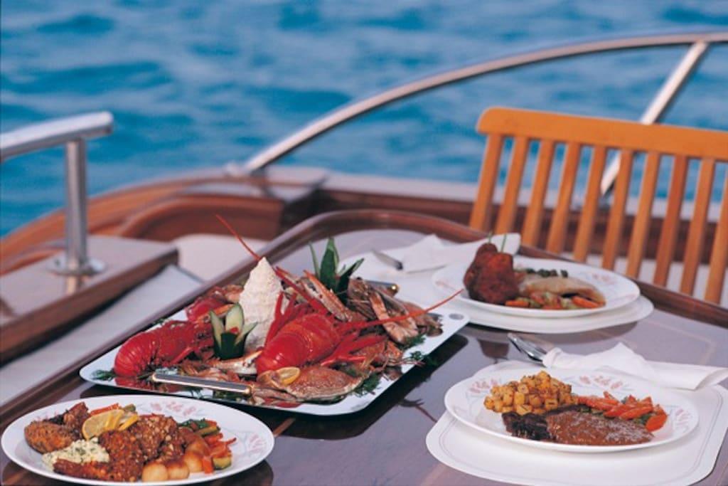 Luxury Yacht in Muscat