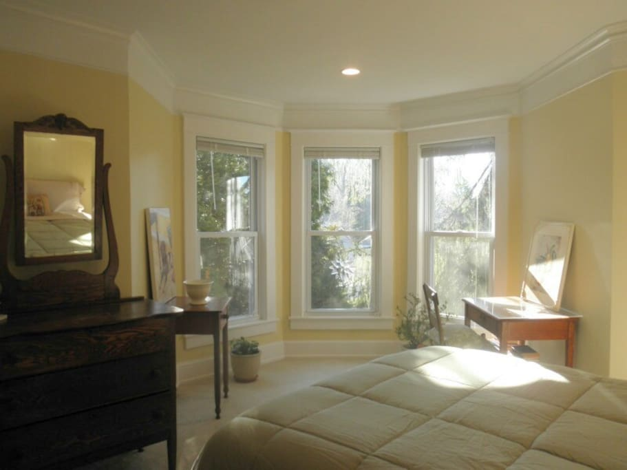 Large, sunny windows let in a lot of light in the morning.