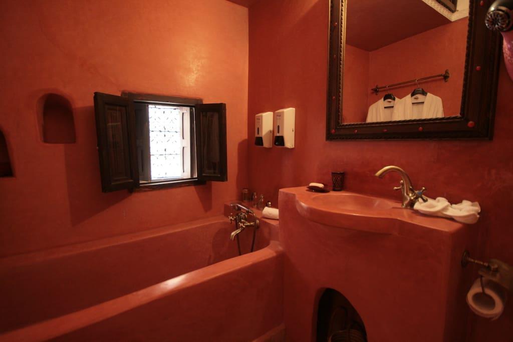 Rose bathroom