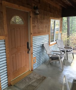 Beautiful Little Cabin apartment! - 샌드포인트(Sandpoint)