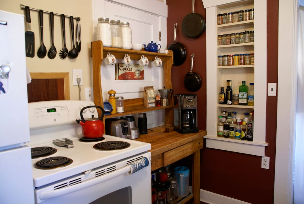 Well-stocked kitchen, coffee and tea provided for short stays