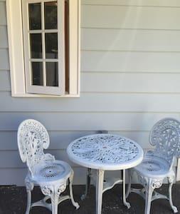 Cottage in Willamette - Apartment