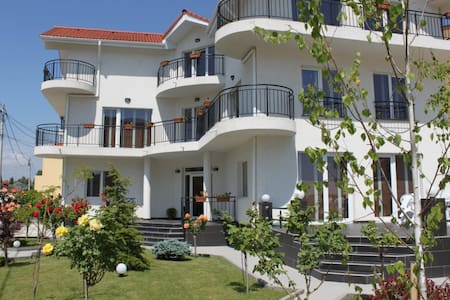 """Casa SERVUS - Your seaside """"home"""" and more! - Mamaia-Sat - 別荘"""
