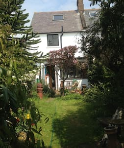 Vegetarian Cottage in  Seaford - Casa