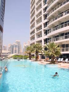 Spacious Studio by the pool - Dubaj
