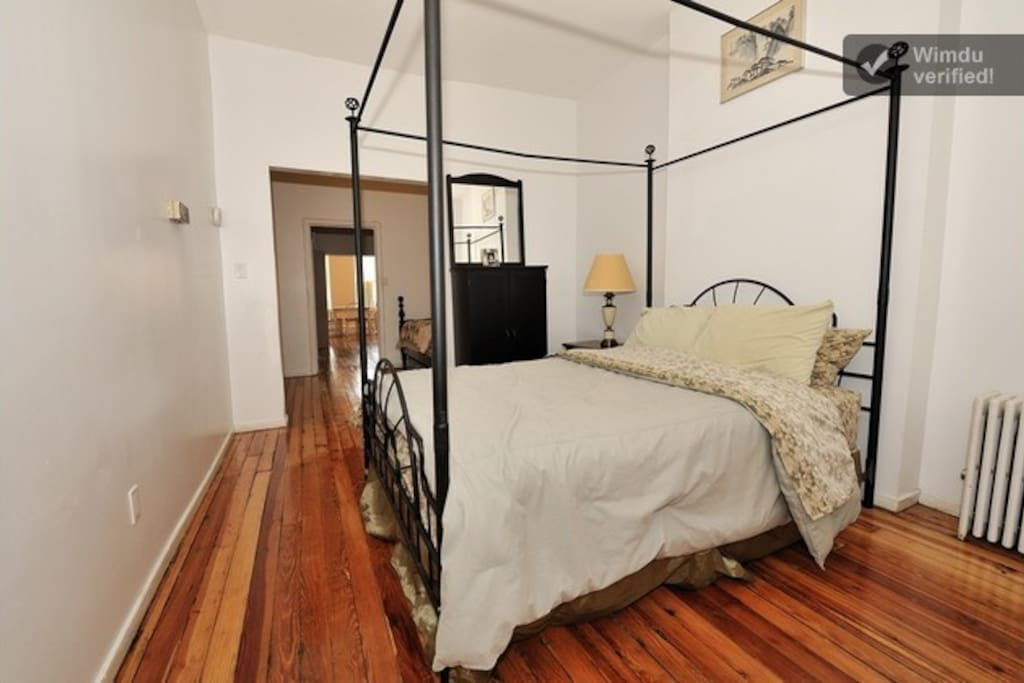 Beautiful Queens Brownstone! - 5BR