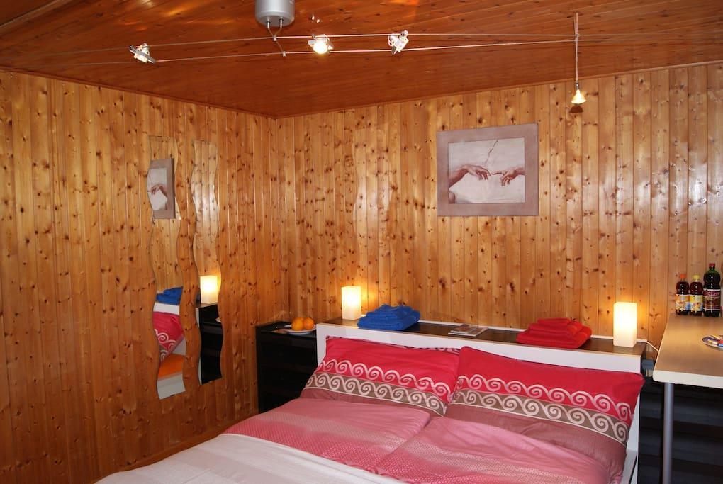 older foto (November 2011) of the sleeping room