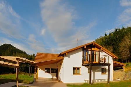 Casa a las afueras de Lekeitio - Gizaburuaga - Dom