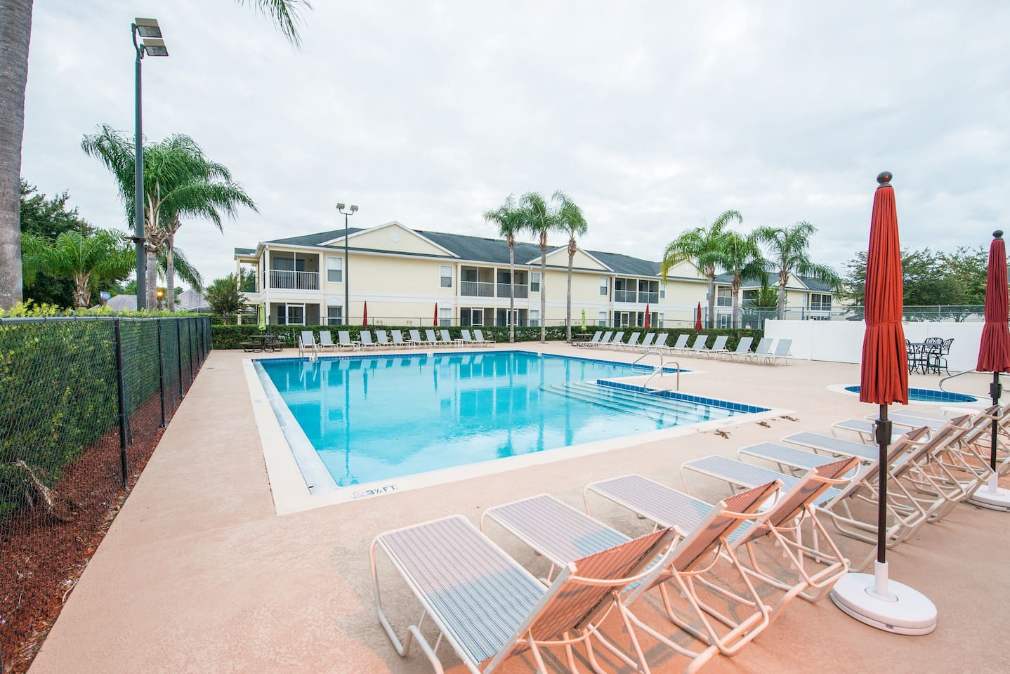 GRAND PALMS Community  - 3BR 2BATH Condo