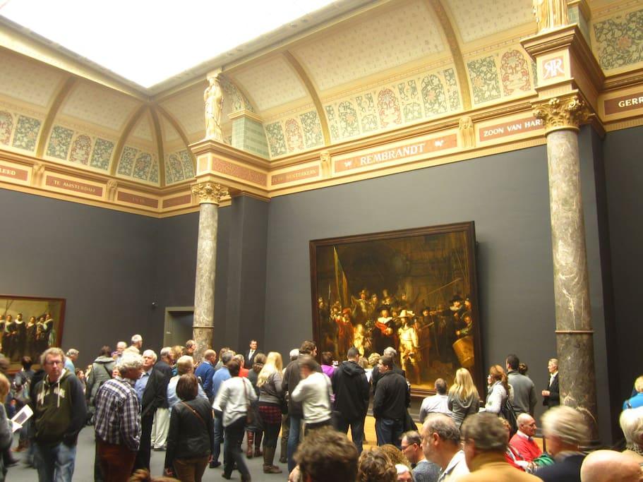 Nachtwacht of Rembrandt van Rijn in newly renovated RIJKSMUSEUM with grey walls