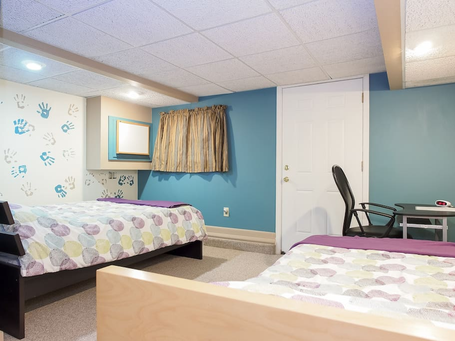 double and twin bed with desk