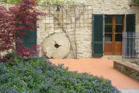 The Molinello. One bedroom Tuscan Mill with Pool - Apartment