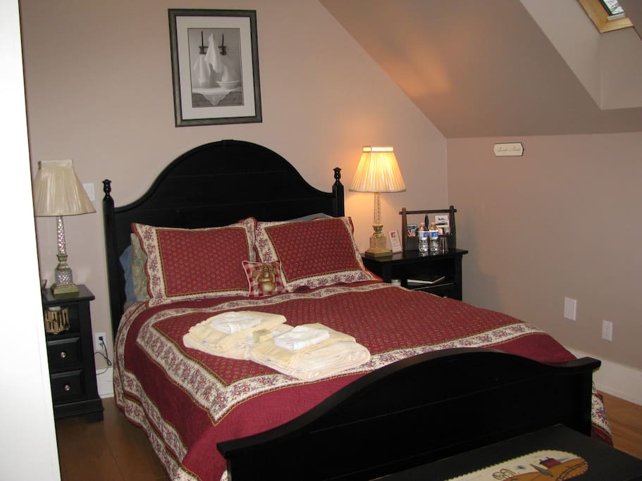 Grundy Lake Bedroom